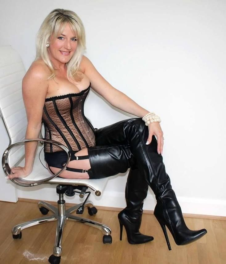 mature ladies boots