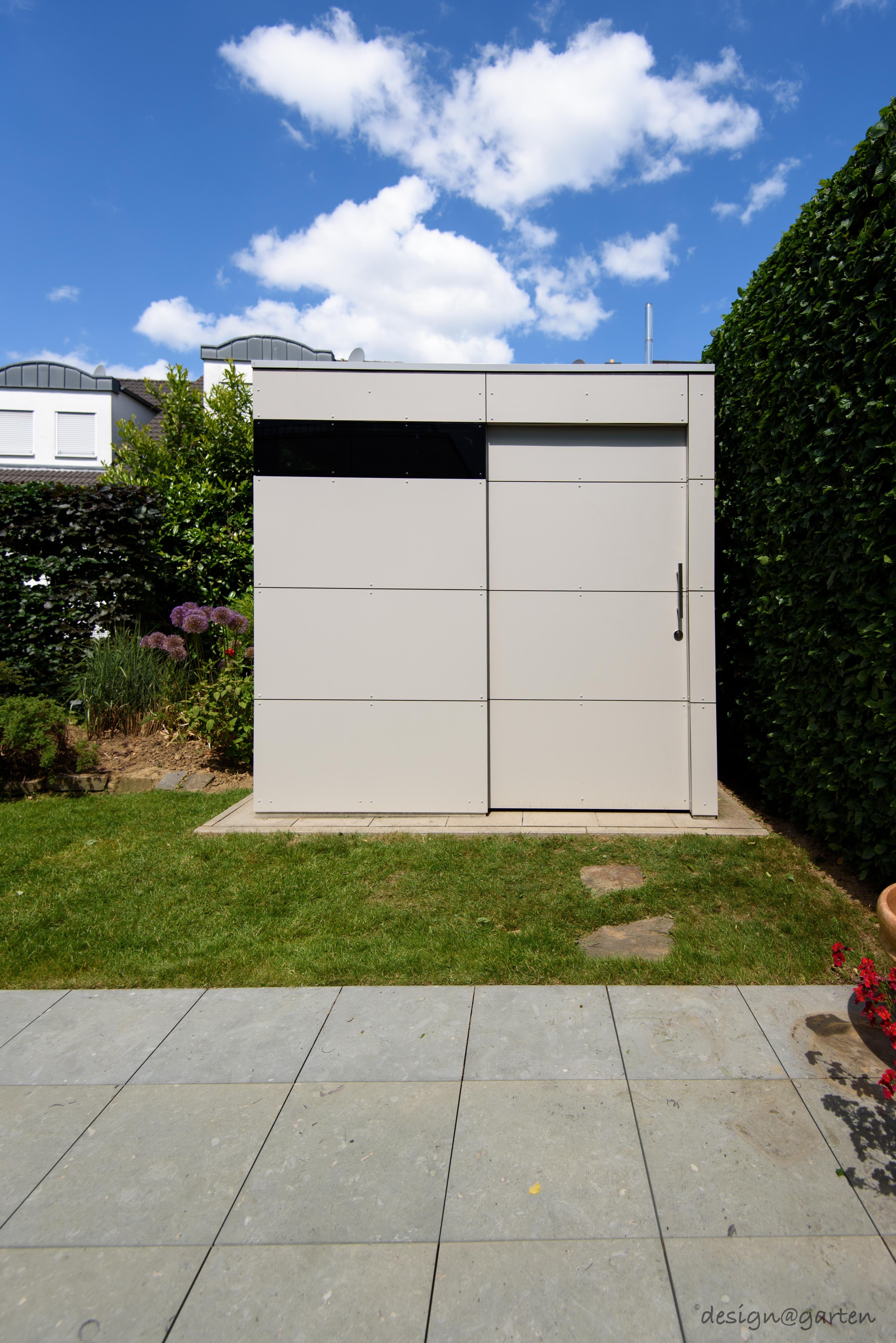 design gartenahaus gart zwei mit Schiebetüre in Hennef Germany
