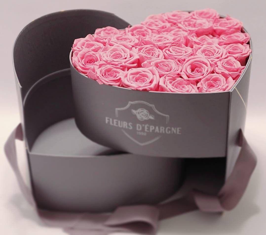Fleurs D Epargne The Saving Flowers Vancouver Flowers Roses Preserved Roses Rose Bucket Box Flores Em Uma Caixa Arranjos De Rosas Decoracao Caixa