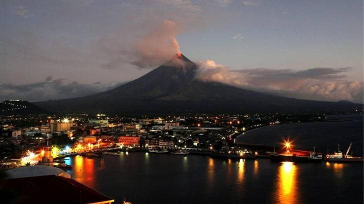 Mayon volcano - (#46890) - High Quality and Resolution Wallpapers on hqWallbase.com