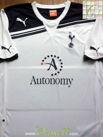 4275273c18d Relive Tottenham Hotspur s 2010 2011 season with this vintage Puma home football  shirt.