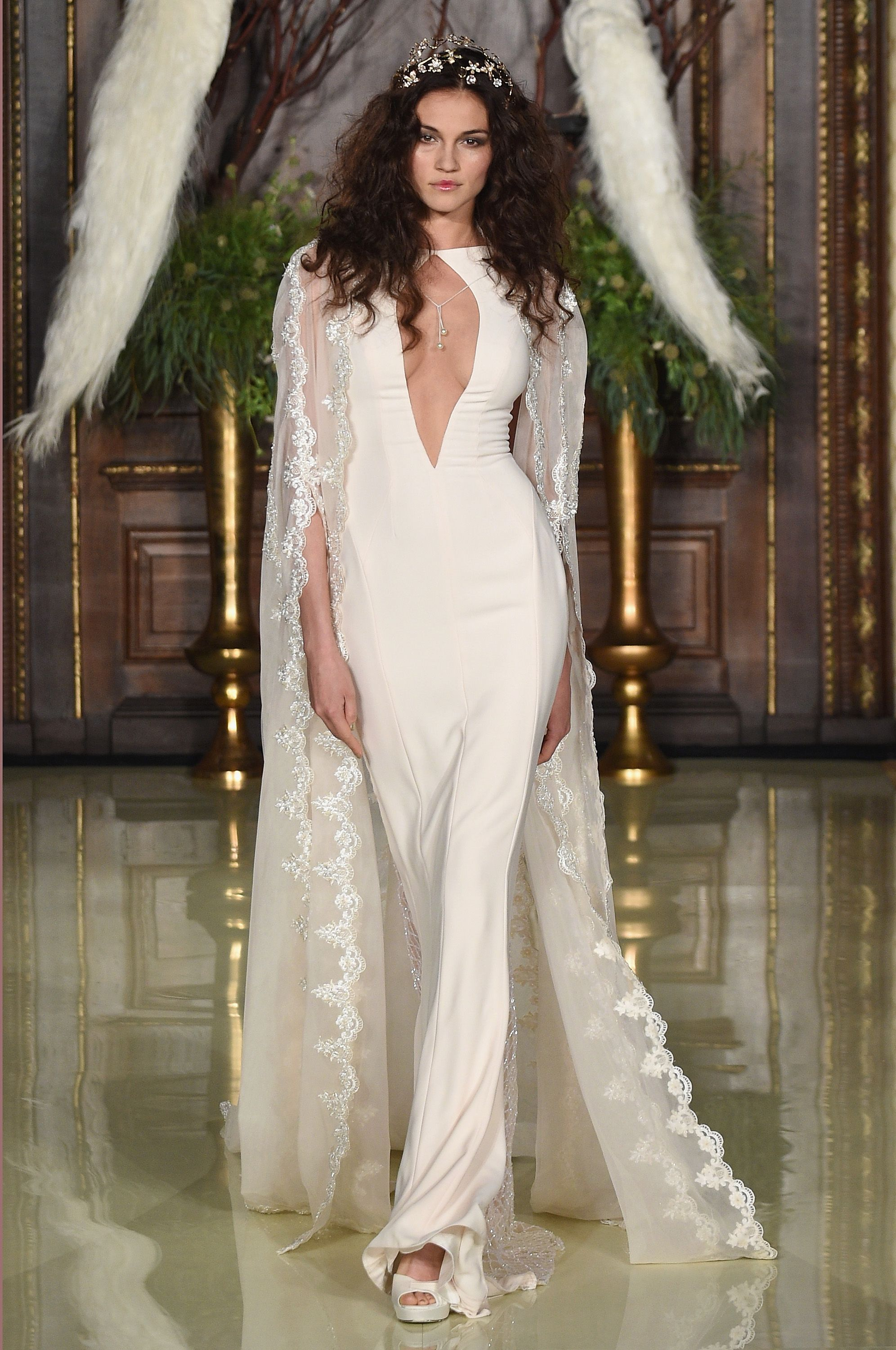 10 Wow Non Traditional Wedding Dresses