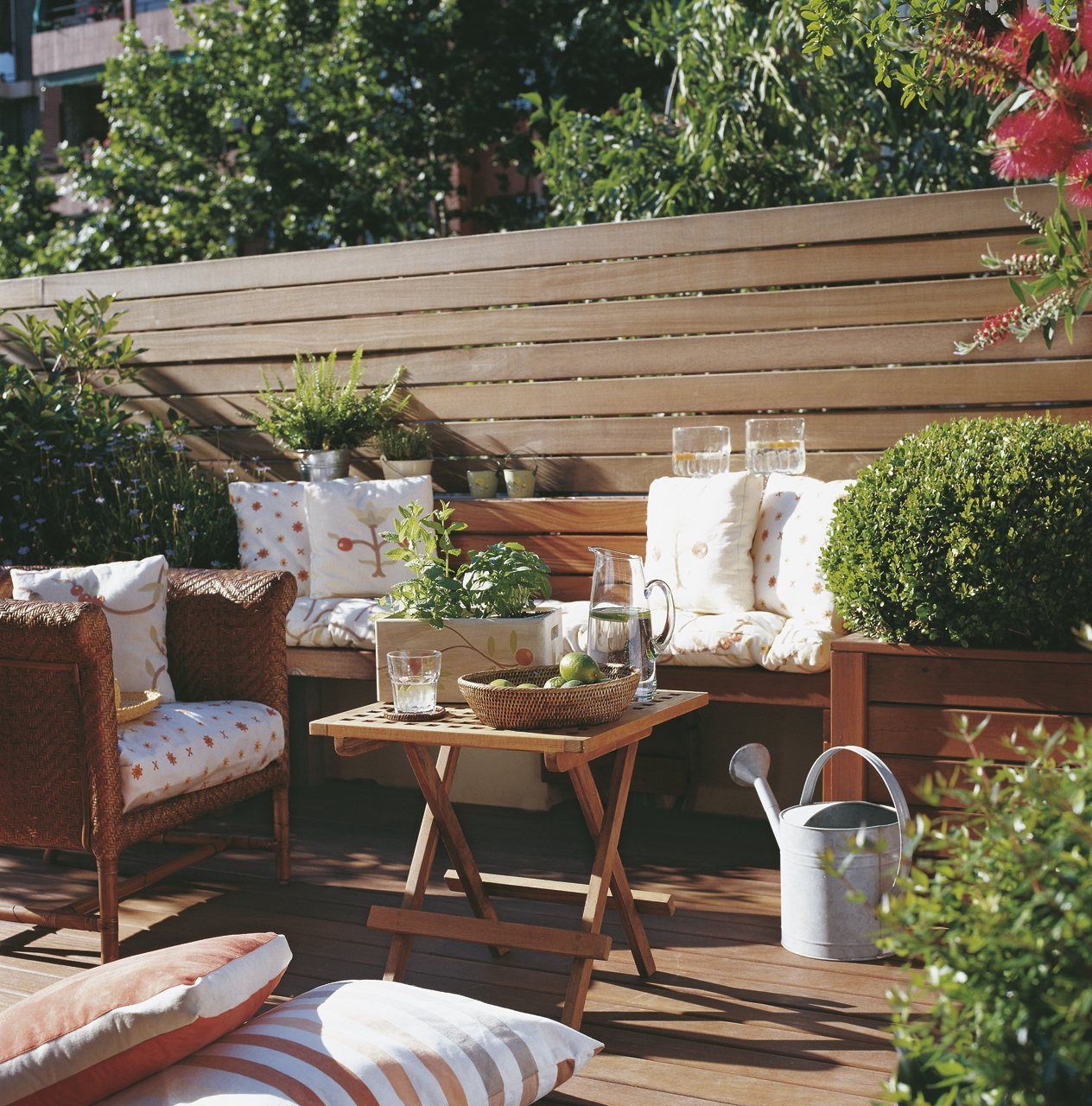 10 exteriores peque os bien aprovechados for Terrazas para patios pequenos