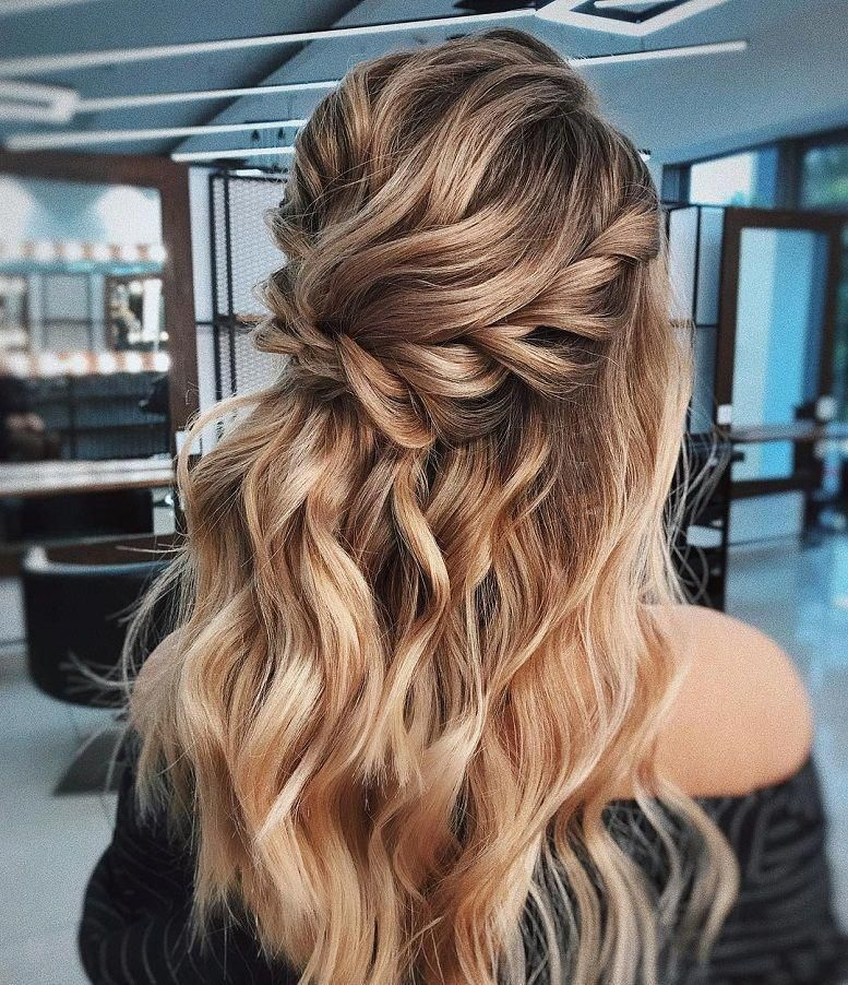 Blown Away With These 57 Beautiful Messy Wedding Hair Textured Updo Half Up Half Down Bridal Hairstyles Wedding Messy Wedding Hair Hair Styles Artistic Hair