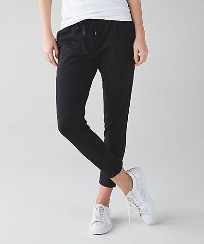 e7f42d72cb Lululemon Jet Crop Slim Review | Clothes in 2019 | Lululemon pants ...