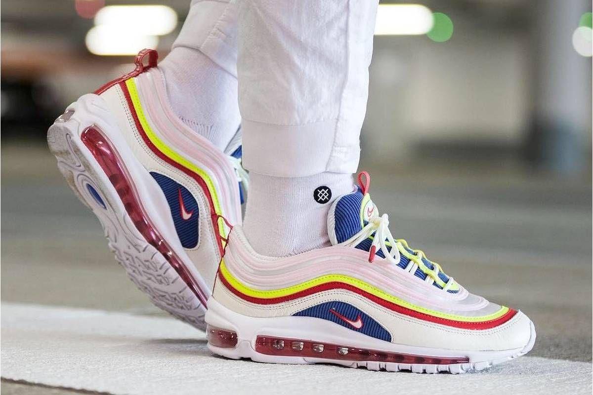 9f87afa3973fe Nike Air Max 97 SE Corduroy Panache Dames · Sneakerwijzer | Styles ...