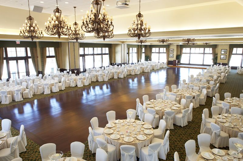Taunton Ballroom Holds Up To 550 Guests For A Sit Down Dinner With