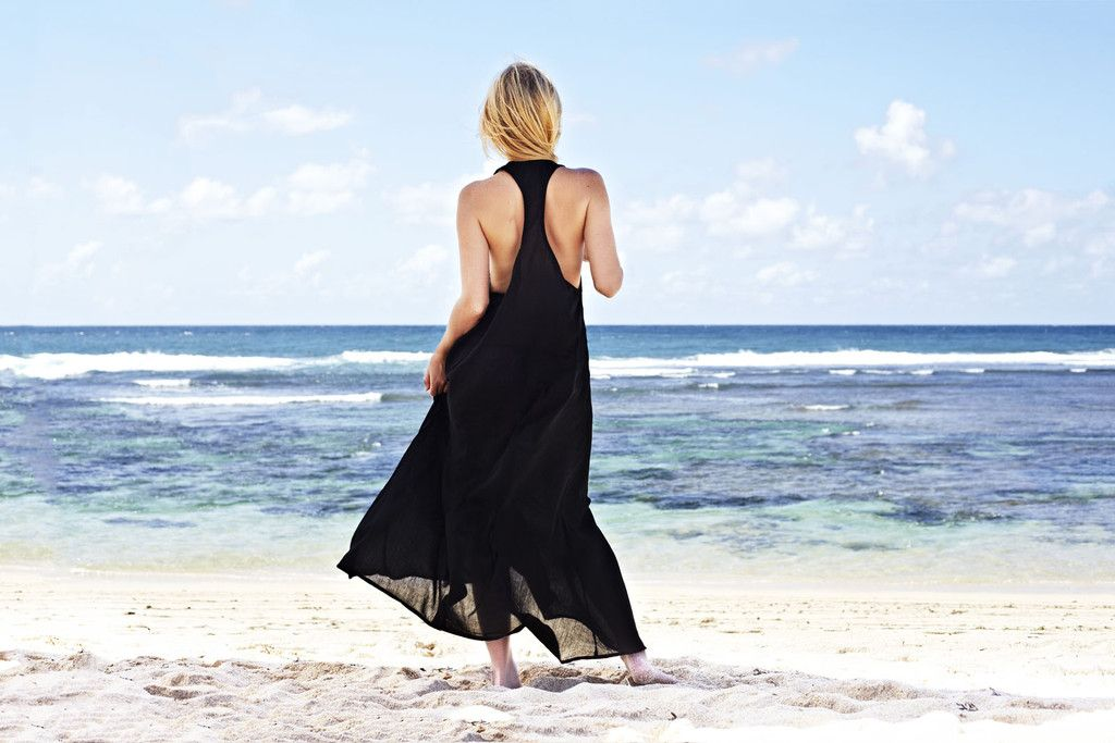 Love this swimsuit cover up.