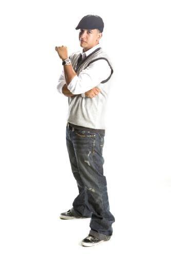 Premios Juventud DY Nominado a 6 Categorias Vota Ya !!! : Categoria Musica:  - Me Muero Sin Ese Cd = Talento De Barrio - Mi concierto Favorito = Talento de Barrio - Mi Rigtone = Llamado De Emergencia - Mi Artista Urbano = Daddy Yankee   Categoria Cine:  - Que Actorazo! (Tu Actor Hispano De Cine Favorito) = Daddy Yankee - Mejor Pelicula = Talento De Barrio  Click Aca Abajo Registrate y Vota Por DY!!! http://www.univision.com/content/channel.jhtml?secid=10418   dy_noticias