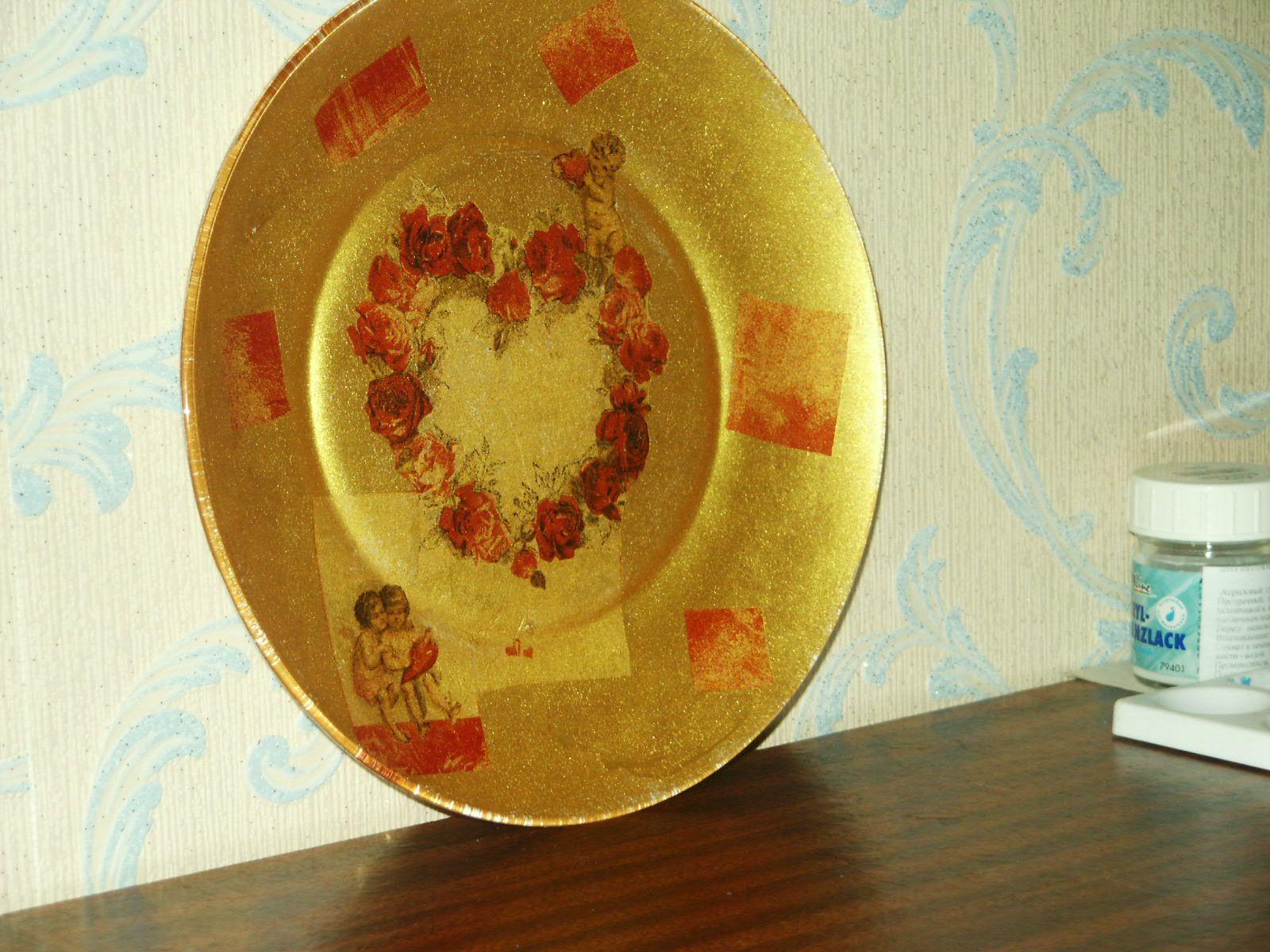 декупаж: тарелка + салфетки + акриловая раска + кракелюрный лак