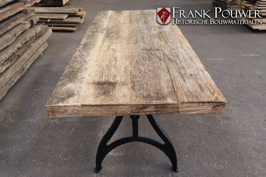 Oud eiken tafel gemaakt van wijnpersplanken interior and home