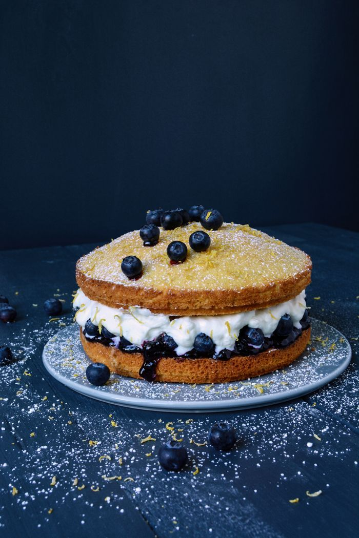 Blueberry Victoria Sponge Cake, London, and my first book presentation : eat in my kitchen
