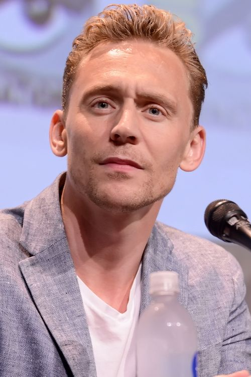 Tom Hiddleston onstage at the Legendary Pictures panel for 'Crimson Peak' during Comic-Con International 2015 the at the San Diego Convention Center on July 11, 2015 in San Diego, California, Full size photo: http://i.imgbox.com/mcqovnrz.jpg. Source: Torrilla