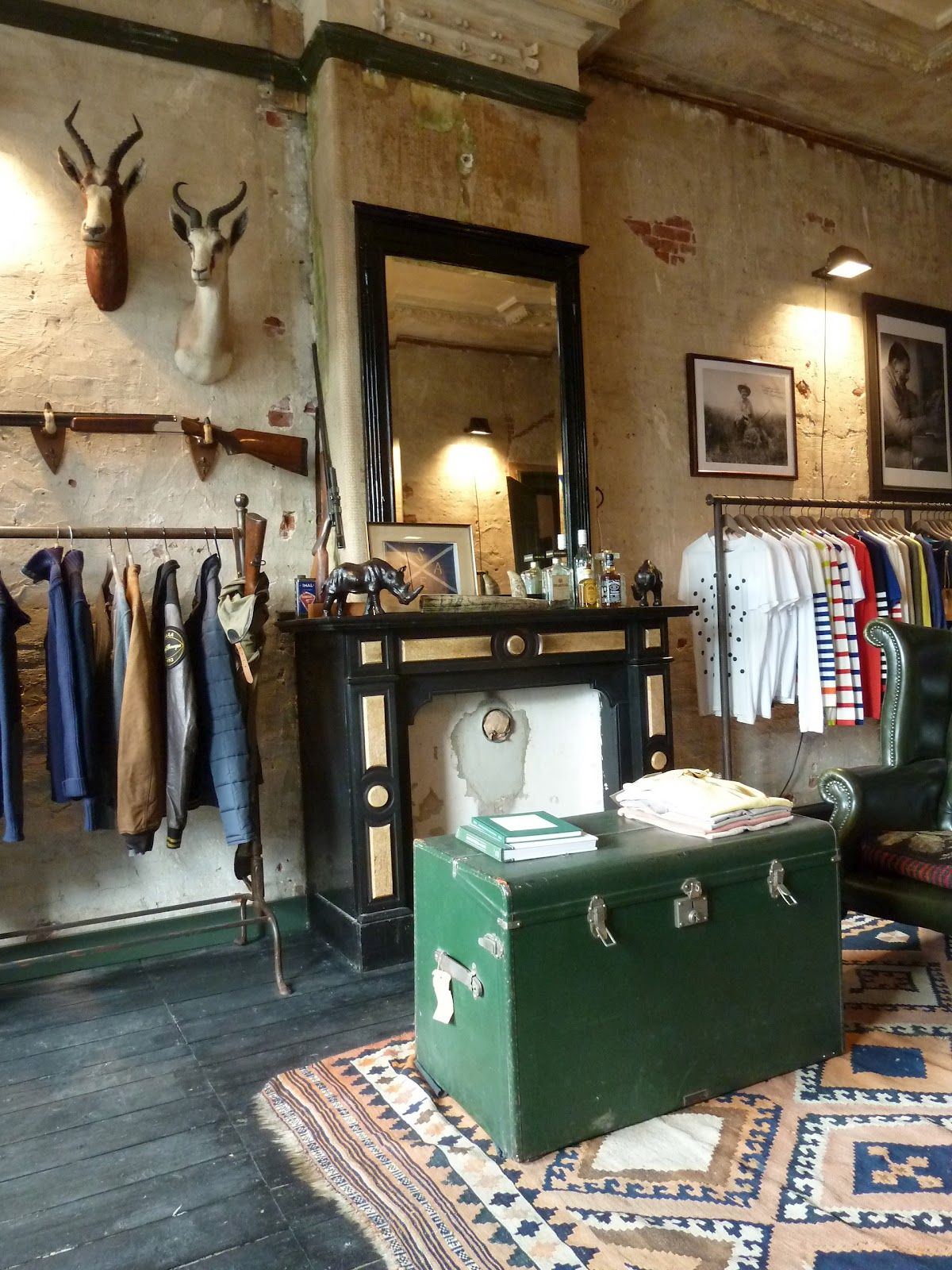 Vintage Shop Utrecht Great Store Layout Love The Taxidermy With The Industrial And