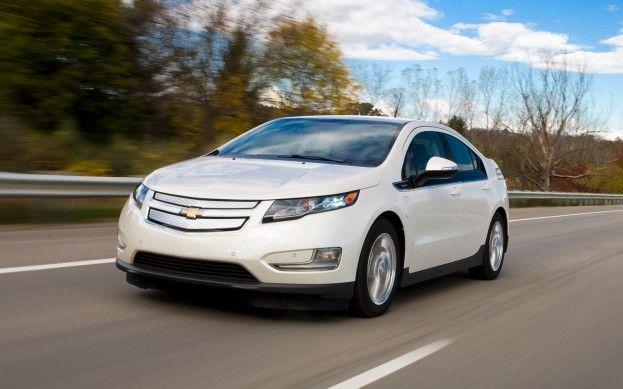Us Military Purchases 1 500 Hybrid Vehicles Chevrolet Volt Chevy Volt Hybrid Car