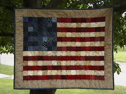 Flag Quilt to celebrate the 4th of July | Flag quilt and Flags : flag quilts - Adamdwight.com
