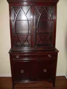 Duncan Phyfe China Cabinet. Love The Doors On This One.