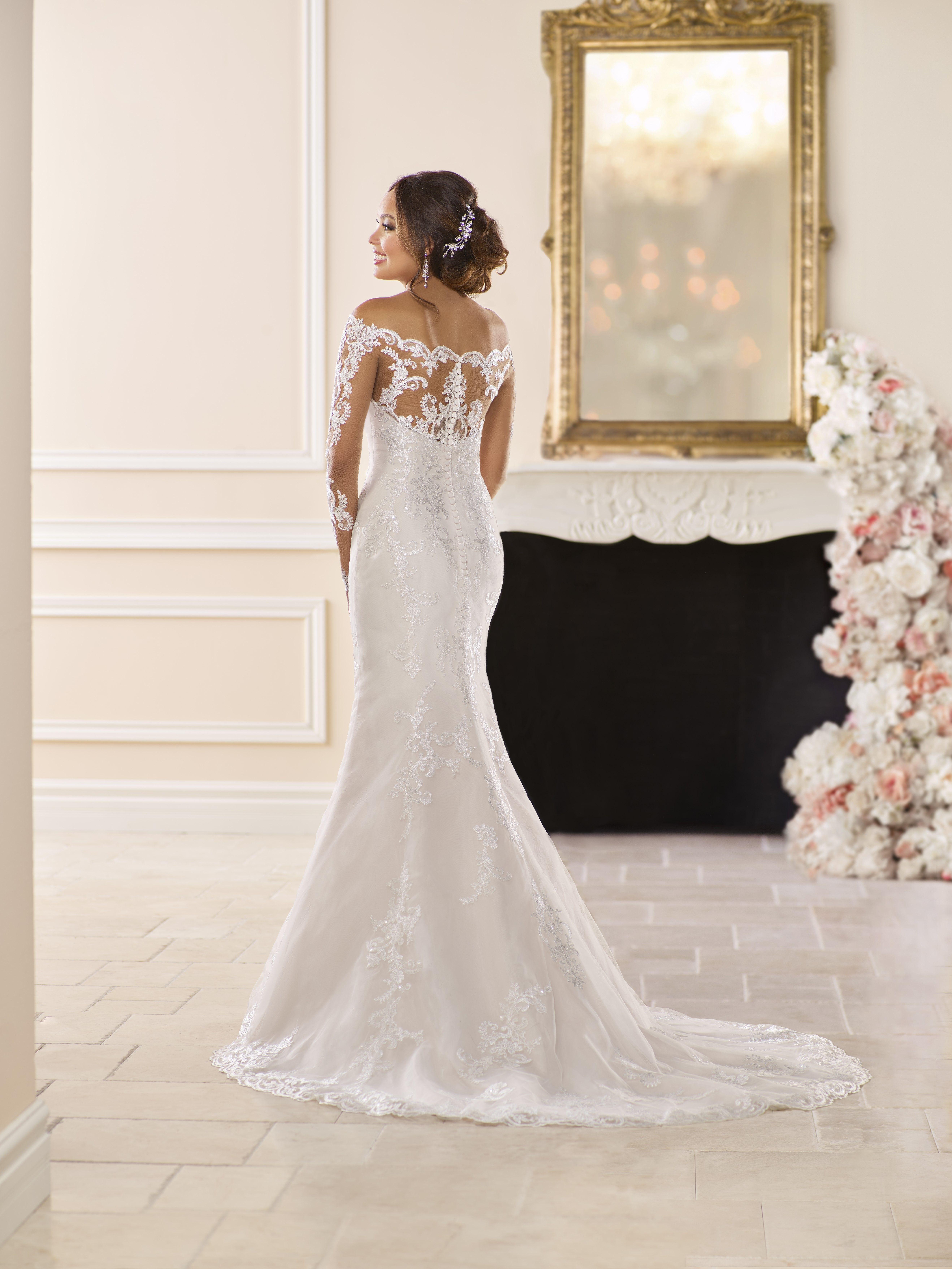 After wedding dress reception  Stella York Wedding Dress Trouwjurk Bruidsjurk Wedding Bruiloft