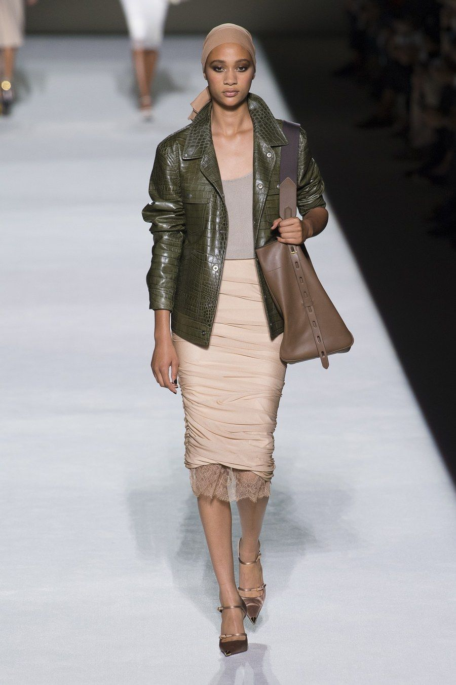 Discussion on this topic: DKNY SpringSummer 2019 Ready-To-Wear Collection Comes Flooded , dkny-springsummer-2019-ready-to-wear-collection-comes-flooded/