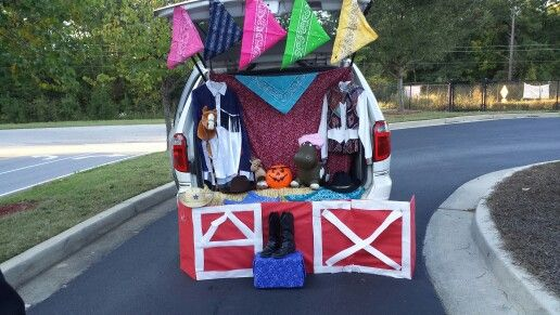 Western themed trunk or treat!! Gift ideas Pinterest Happy - halloween trunk or treat ideas