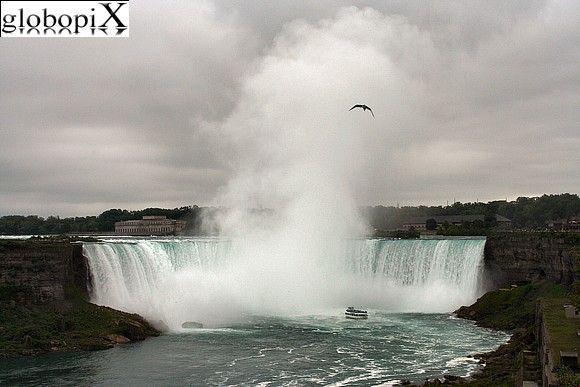 Horseshoe Falls (Niagra Falls) - Canada