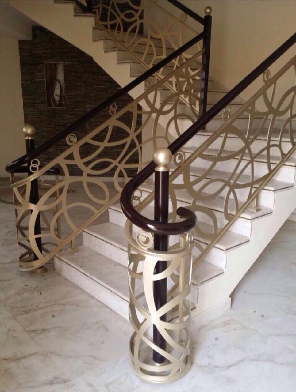 Pin By Alina Mosiu On درج داخلي Stairs Design Interior Staircase Interior Design Steel Railing Design
