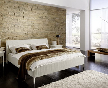 Camera da letto con parete di pietra | Home Decor | Pinterest | Legno