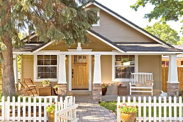 10 of the Most Popular Home Styles #craftsmanstylehomes