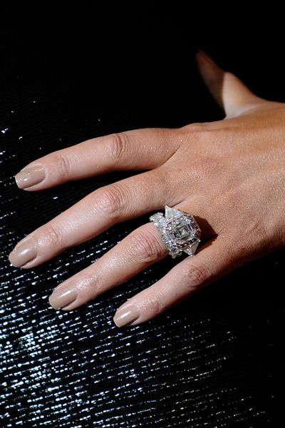 Nick Cannon And Mariah Carey The Singer Was Presented With An Engagement Ring Co Celebrity Engagement Rings Celebrity Wedding Rings Wedding Rings Engagement