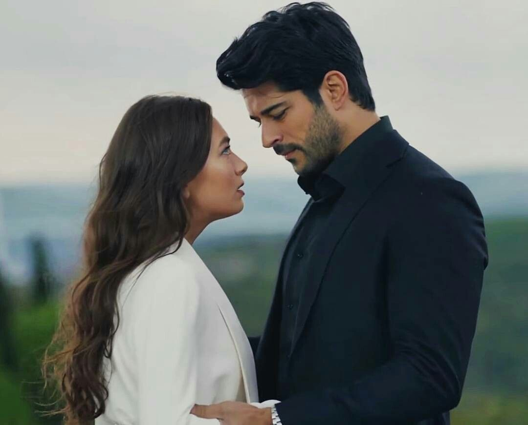 Burak Ozcivit And Neslihan Atagul As Kemal And Nihan In Kara Sevda Unluler Gelinler Hayat