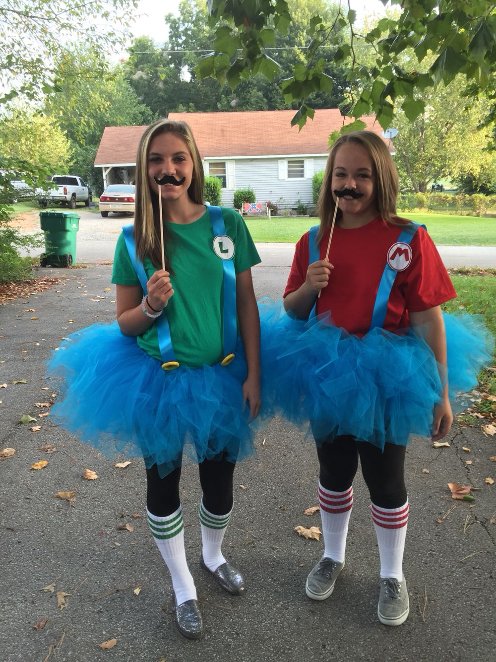tacky twin day diy pinterest twins costumes and halloween costumes. Black Bedroom Furniture Sets. Home Design Ideas