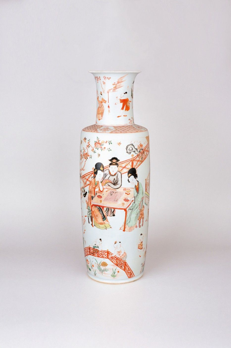 Chinese porcelain famille verte, wucai, rouge de fer and gilt large vase of rouleau form, Kangxi period, 1662-1722