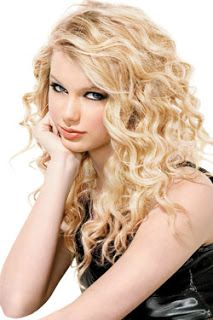 Beauty Stuff How To Get Taylor Swift Curls Taylor Swift Hair Taylor Swift Curls Young Taylor Swift