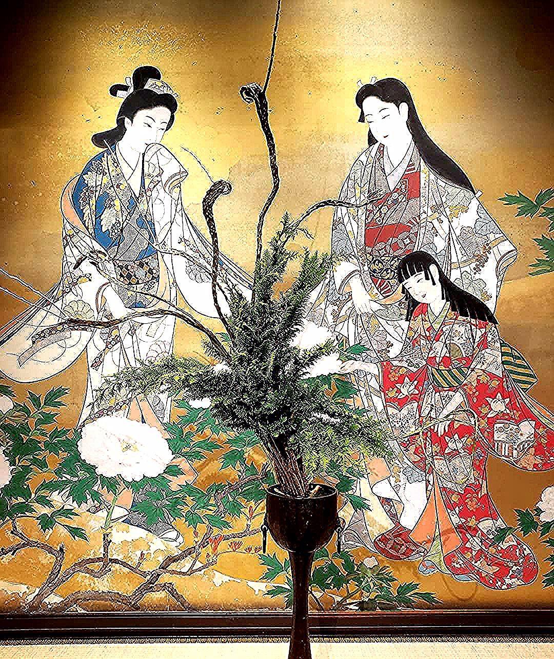 🌸いけばな×百段階段2019🌸  雅叙園での花展へ行ってきました😉✨ 華道は空間の美学🌸だからこそ有形文化財である百段階段での展示は見応えがありました😆🌸 花も空間も素晴らしかったです✨  ーーーーーーーーーーーーーーーーーーーーーーーー#雅叙園 #目黒雅叙園 #百段階段  #着物 #着物ランチ #kimono #目黒 #花展 #いけばな #花のある暮らし #ガーデニング #フラワーアレンジメント #フラワーギフト #フォトレッスン #花好きな人と繋がりたい #flower #flowerarrangement #flowerlover #flowerstagram #flowerarrangement #flowergarden #bouquet #weddingbouquet #happy #instagood #instaflower  #weekendflower