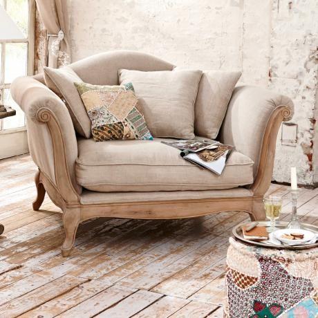 Der schöne Sessel lädt zum gemütlichen Entspannen ein Lieferung - wohnzimmer gemutlich dekorieren