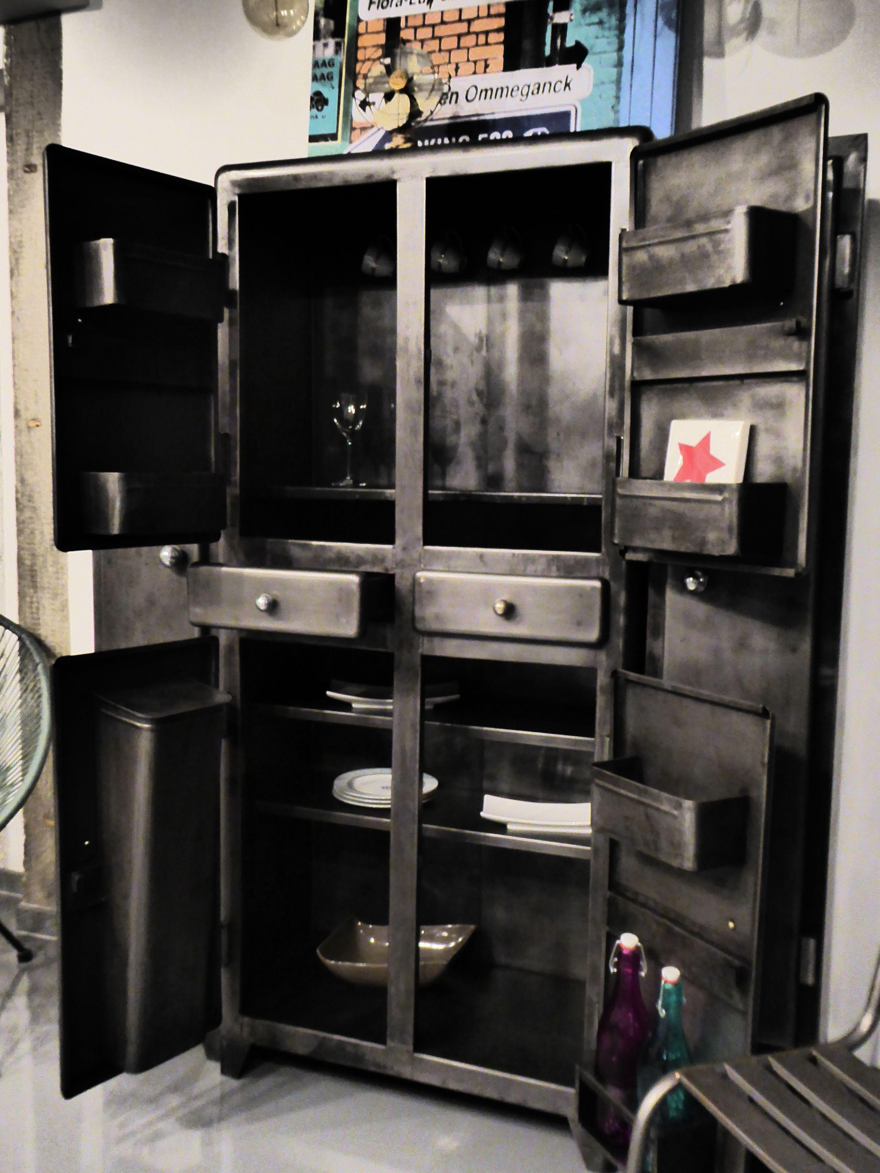 Meuble industriel en m tal an 50 39 vous propose ce meuble ancien restaur - Meuble ancien restaure ...
