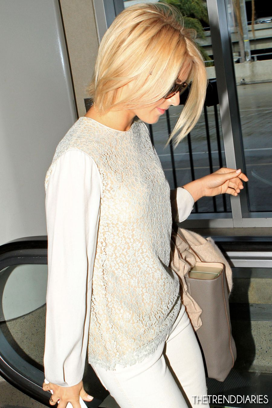 julianne hough lax airport
