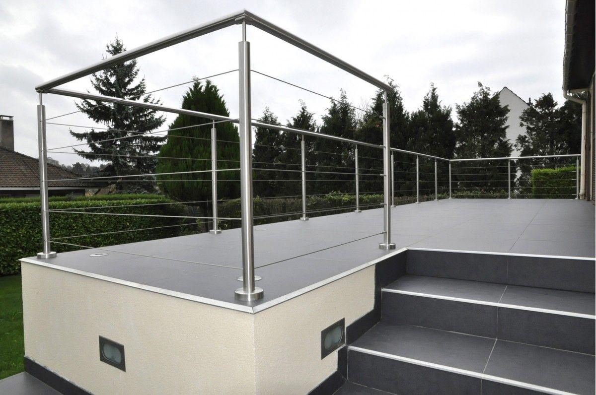 Garde-corps à câble en extérieur, pour une terrasse protégée et ...