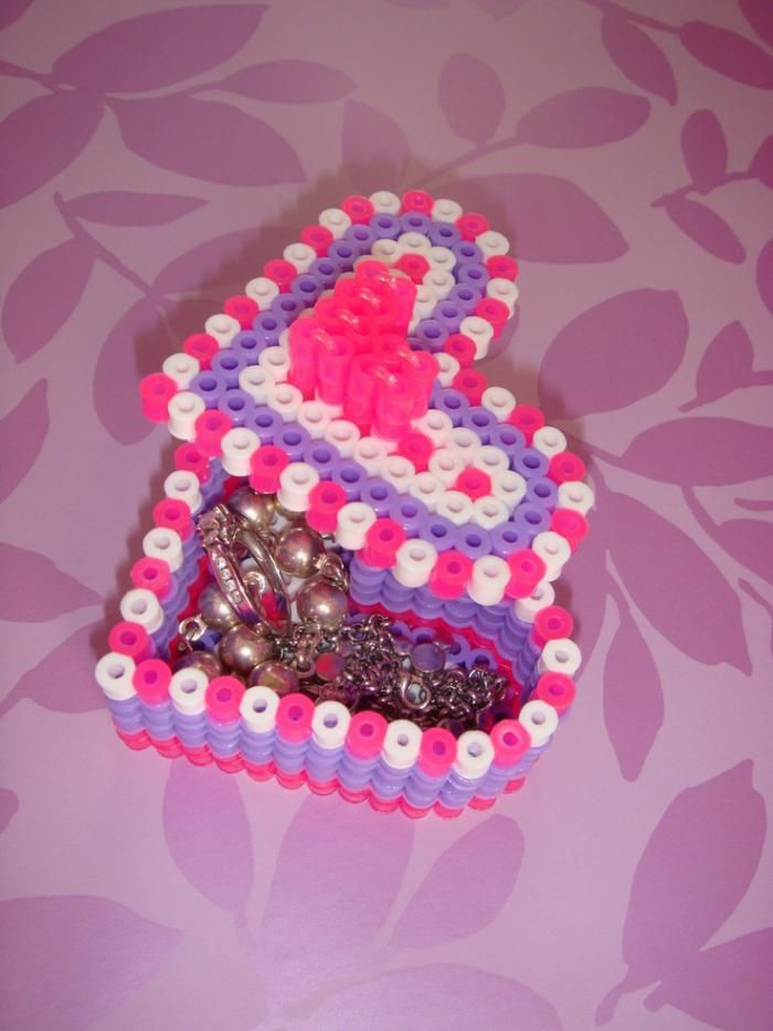 retrouvez les perles repasser un amusement cr atif bijoux originaux. Black Bedroom Furniture Sets. Home Design Ideas