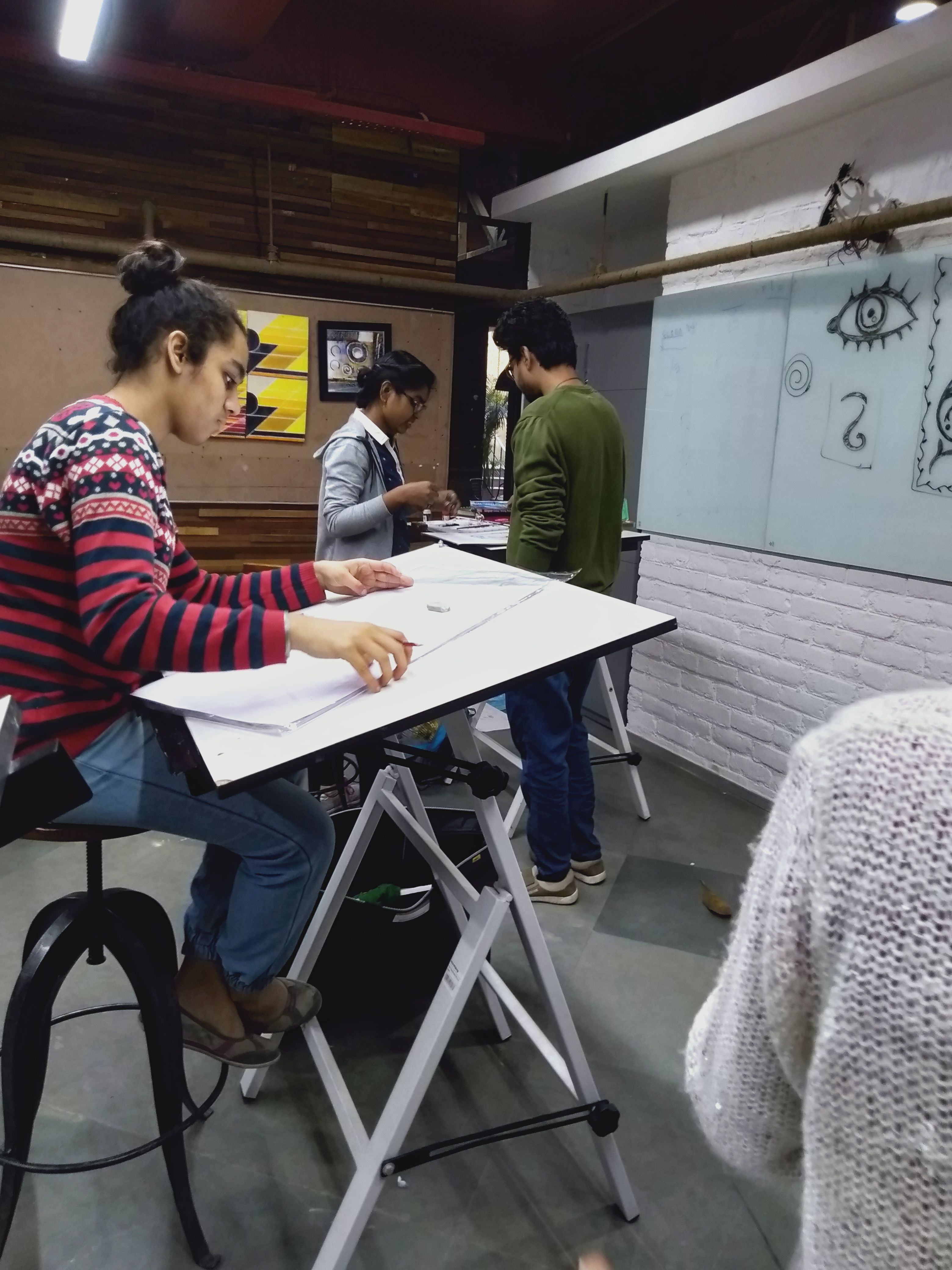 Ivs School Of Design Noida Students Attended An Unstructured Teaching Session Of Live Interior Design Institute Interior Design Colleges Interior Design School
