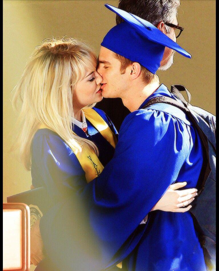 Emma Stone And Andrew Garfield Kiss H U B B S Emma Stone Rew