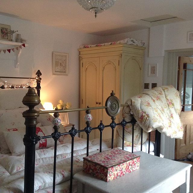 Pin By Little Yellow Cottage On Cozy Cottage Living: LOVE This As A Guest Room. And That Yellow Armoire