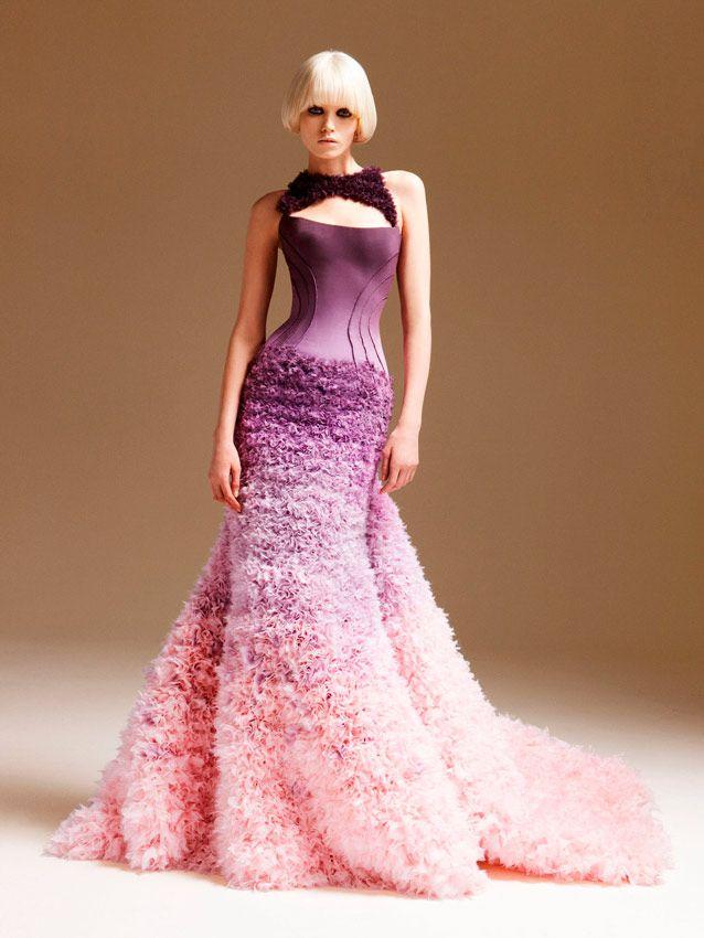 vestido de novia ombré de lila a rosa de Versace | Vestidos largos ...