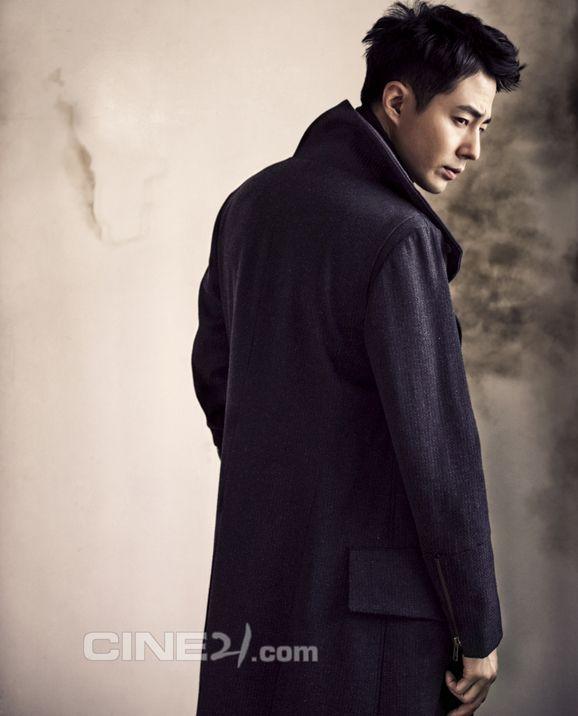 Jo In Sung, Cine21 February 2013