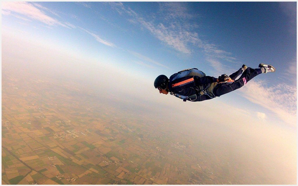 Extreme Sport Wallpaper Iphone: Parachuting Skydiver Extreme Sports Wallpaper