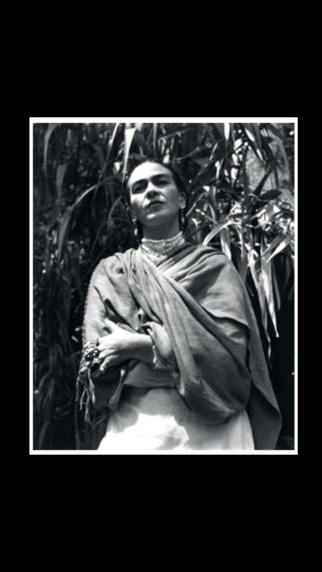 "Gisèle Freund - "" Frida Kalho, Mexico "", 1948 - Gelatin silver print - 21,7 x 17,3"