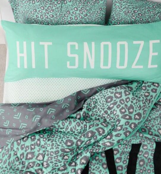 hit snooze | vs pink