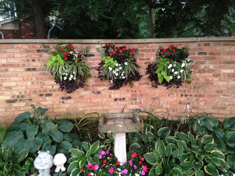Living Wall Photo Contest - Living Wall Planters Outdoor Design ~ Http://lovelybuilding.com