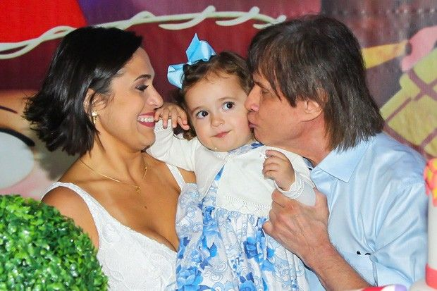 Roberto Carlos Comemora Aniversario Da Neta Laura Celebridades