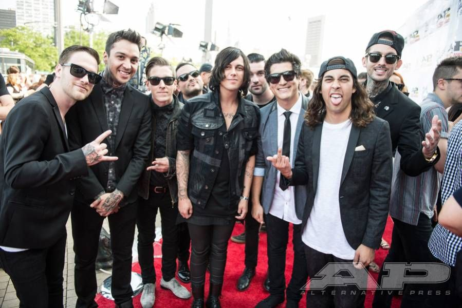 Walk The Red Carpet With This Exclusive Apmas Gallery Alternative Press Pierce The Veil Sleeping With Sirens Love Band